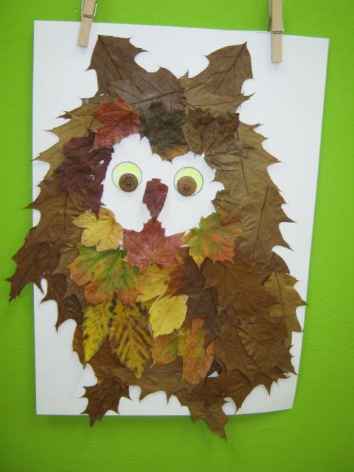 Sova z listí