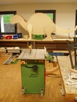 Práce se dřevem ve školní dílně