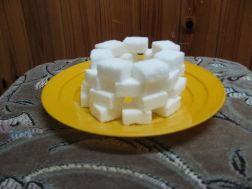 Svícen z cukru