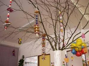 Strom ozdobený závěsy