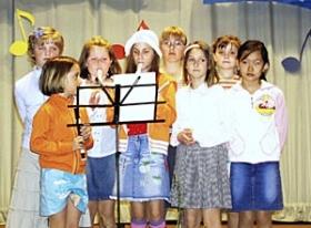 Vystoupení na soutěži VESELÁ NOTA v Loučeni u Nymburka jsou svátkem pro všechny členky kroužku