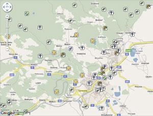 Poklady v okolí Chomutova. Smajlíkem jsou označeny již odlovené kešky - z www.geocaching.com