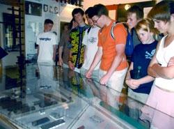 Seznámení s historií Památníku Vojna na modelu vězeňského tábora
