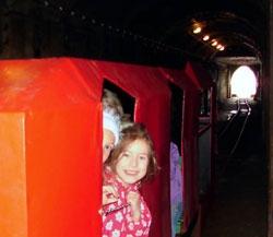 Jízdy důlním vláčkem v podzemí dolu Anna