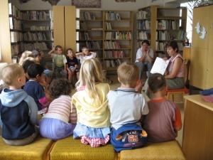 Vyprávění se zaměstnankyní knihovny