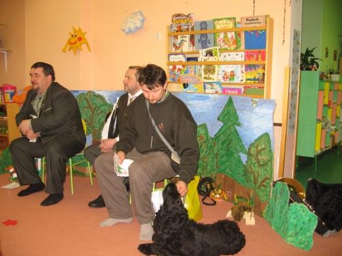 Myslivce doprovázel i lovecký pes Dany.