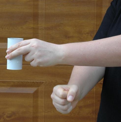 Poklepávání na ruku zdola - první fáze